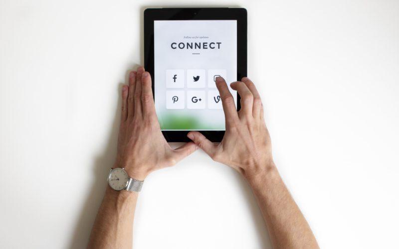 Visita i nostri social network